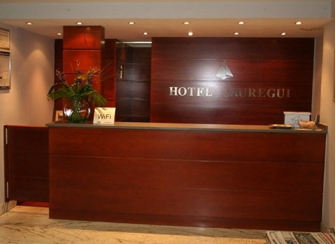Enjoy your stay at the hotel Jauregui Hondarribia
